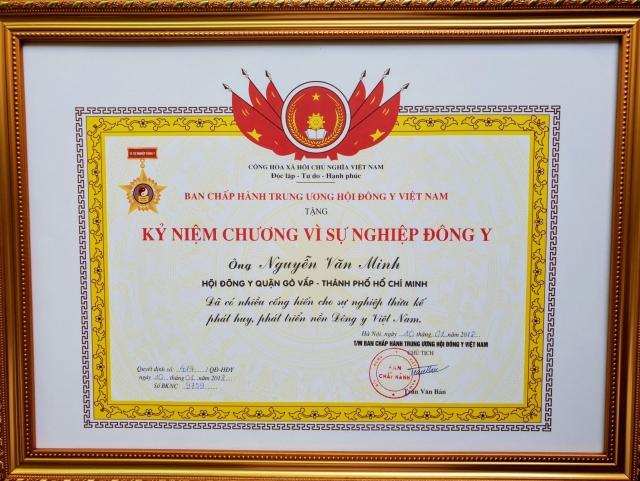 Trung ương hội Đông Y Việt Nam khen tặng Lương y Nguyễn Văn Minh