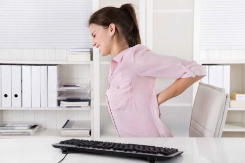 Hỏi thăm bệnh nhân thoát vị đĩa đệm cột sống thắt lưng, nghe ý kiến thông báo thực tế khỏi bệnh.